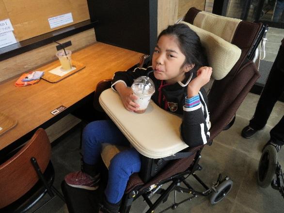 みんなでティータイム 障害者支援施設山郷館